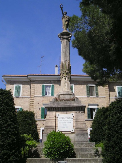 Castel Colonna, monumento ai caduti