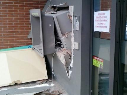 Corinaldo: assalto alla filiale Bcc di via Nevola