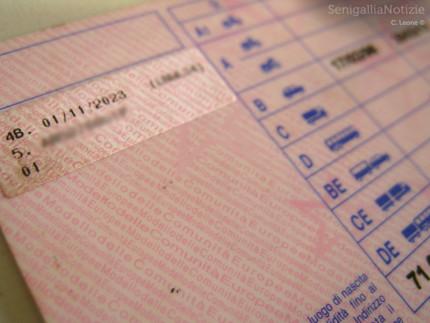 Patente, licenza di guida. Foto di SenigalliaNotizie.it