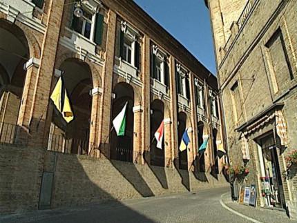 Il palazzo comunale di Corinaldo