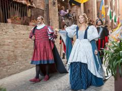 La coppia ducale della Festa del pozzo della polenta di Corinaldo