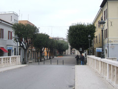 Via Carducci a Senigallia e il ponte II Giugno