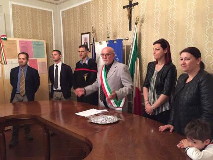 Il sindaco Manfredi in sala del Consiglio Comunale a Castelleone di Suasa