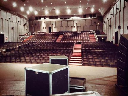 La sala interna del teatro La Fenice di Senigallia, con i suoi oltre 870 posti
