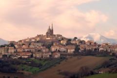 Ostra Vetere: panorama e skyline del paese