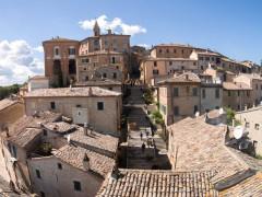 Il borgo di Corinaldo ripreso dall'alto durante il contest fotografico tra droni alla Festa dei Folli 2016