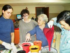 Una delle attività dell'associazione Ge.St.O.: laboratori per anziani