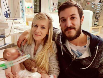 i genitori del piccolo Charlie Gard