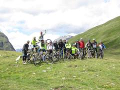 Il gruppo amatoriale MTB I Ciclopi sulle Alpi tra Italia, Svizzera e Austria