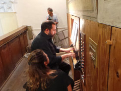All'organo Cioccolani (1866) nella Chiesa di Santa Maria de' Abbatissis a Serra de' Conti si è esibito il maestro Walter D'Arcangelo