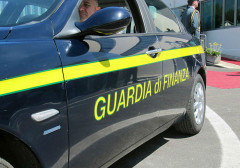 guardia di finanza, fiamme gialle, 117