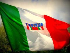 La bandiera dell'ANPI, l'associazione nazionale partigiani d'Italia
