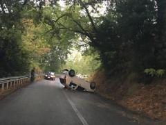 Incidente stradale: auto ribaltata tra Grottino di Senigallia e Ostra