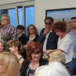 """Il pubblico all'inaugurazione della mostra a Trecastelli """"Un Passo Verso la Rinascita"""" sugli scatti delle ragazze yazide nel campo profughi di Khanke"""