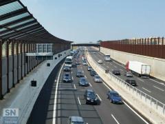 L'autostrada A14 a tre corsie e con barriere antirumore a Senigallia