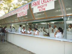 Stand gastronomici della Sagra delle Pappardelle al Cinghiale a Casine di Ostra