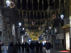 Le luminarie di natale 2016 che addobbano il centro storico di Senigallia