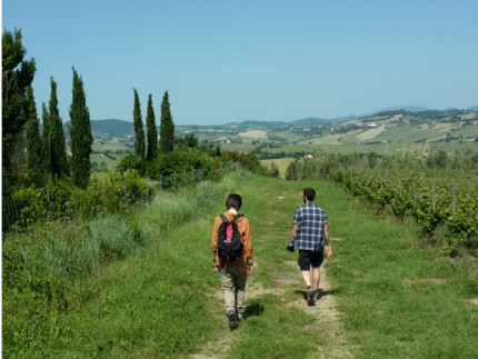 """""""Camminata dei racconti"""" a Serra de' Conti"""