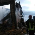 Intervento Vigili del Fuoco per incendio in fienile a San Pietro di Arcevia