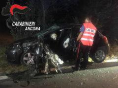 Auto contro alberi: incidente a Casine di Ostra