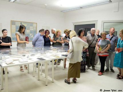 """L'inaugurazione della mostra """"Volùmina atto secondo - le artiste e il libro"""""""