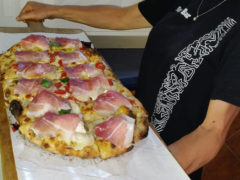 Pizza alla pala romana allo Skizzo Bar di Senigallia