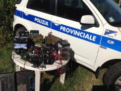 Il materiale sequestrato dalla Polizia Provinciale di Ancona
