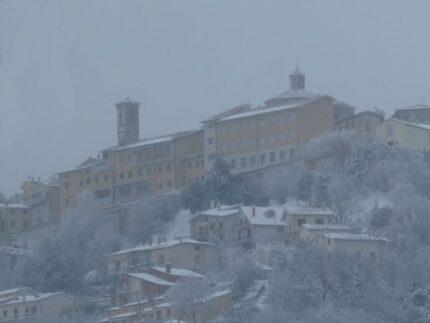 Arcevia dopo la nevicata del 12 e 13 febbraio 2021