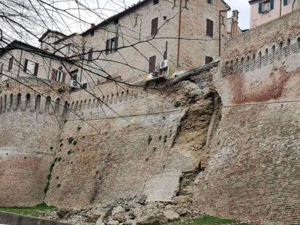 Crollo delle mura di Corinaldo