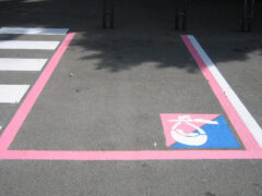 Parcheggi rosa. Fonte: Lenuovemamme.it