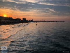 Il mare di Senigallia -Tramonto estivo dalla Rotonda - Foto di Mariano Cefarelli