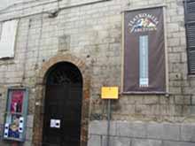 Palazzo dei Priori, portale