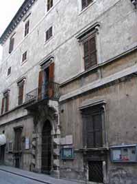 Palazzo Pianetti, Piazza Garibaldi